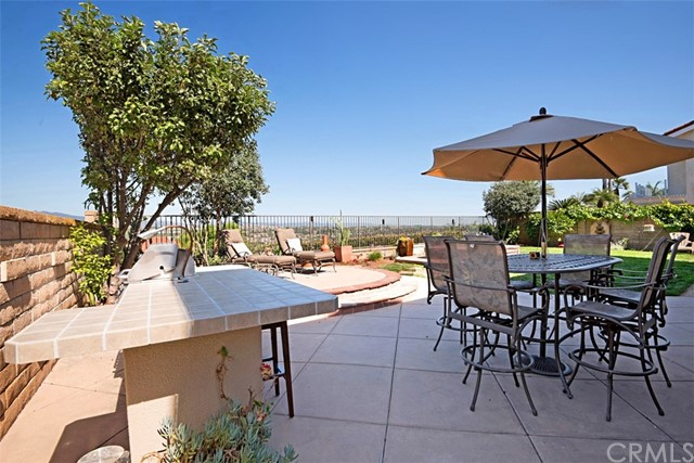 22662 Orellana Mission Viejo, CA 92691 is listed for sale as MLS Listing OC17135308