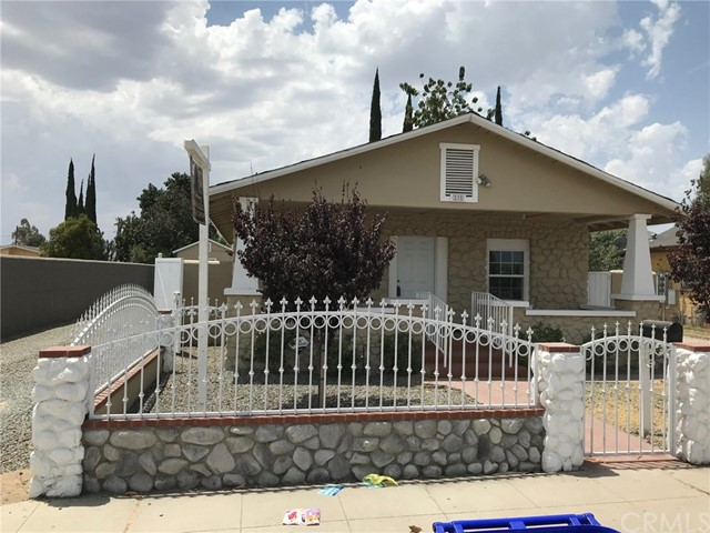 275 E 3rd Street, San Bernardino CA: http://media.crmls.org/medias/00075c6d-601a-41e1-8ca9-9bfe5e35e86a.jpg