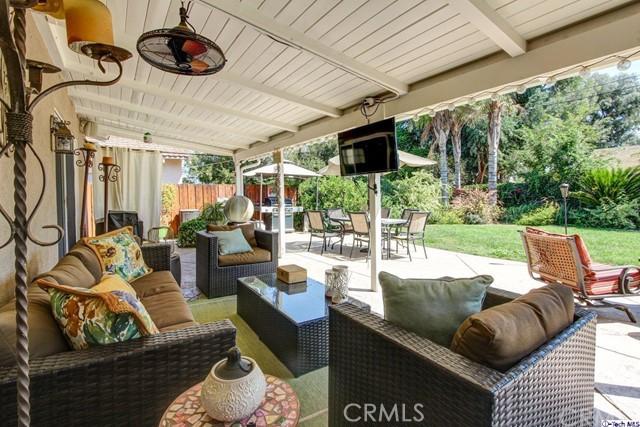 16816 San Jose Street, Granada Hills CA: http://media.crmls.org/medias/000e5847-874e-4452-bbc8-534933591eb8.jpg