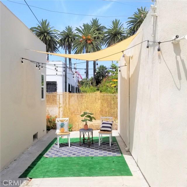 4417 W 29th Street, Los Angeles CA: http://media.crmls.org/medias/0013d8ac-96ed-4881-bef3-5c2aee252dcd.jpg