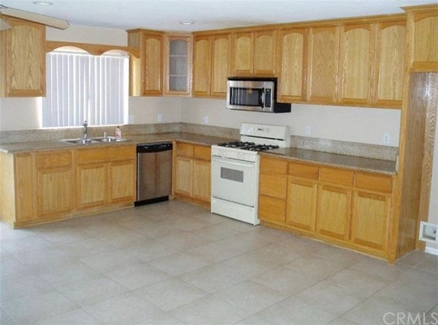 12244 Snapping Turtle Road Apple Valley CA 92308