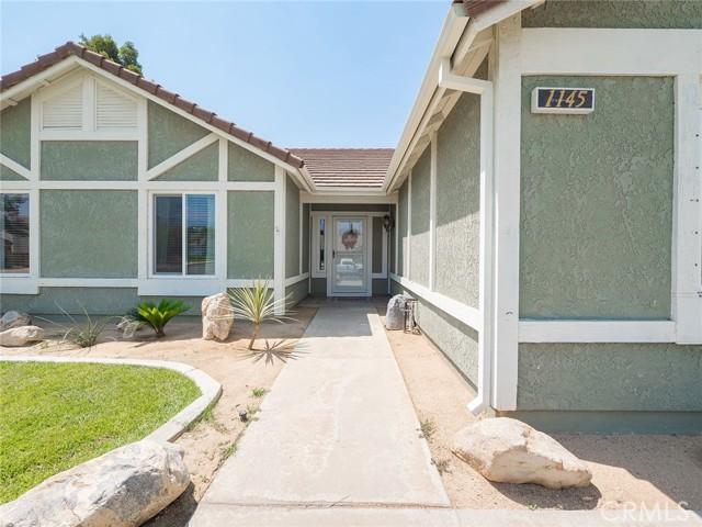 1145 Wildflower Street, Rialto CA: http://media.crmls.org/medias/0025a81b-e4b9-4300-8e01-afda5b7d7665.jpg