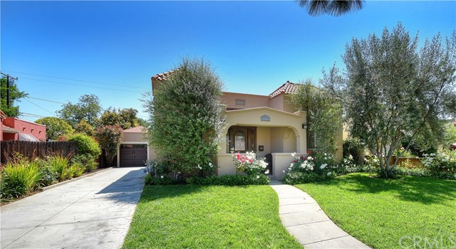 Single Family Home for Sale at 915 Lowell Street N Santa Ana, California 92703 United States
