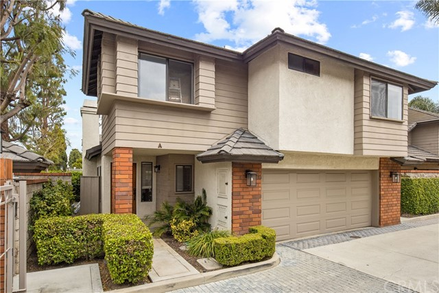 Detail Gallery Image 1 of 1 For 2572 Elden Ave #A,  Costa Mesa,  CA 92627 - 3 Beds | 2/1 Baths