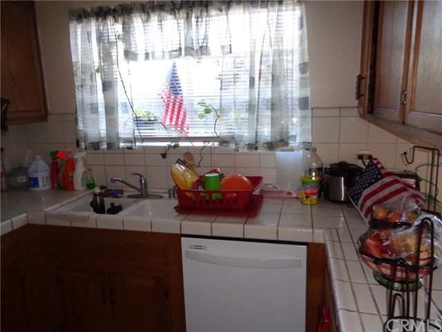 1644 W North Bear Creek Drive, Merced CA: http://media.crmls.org/medias/005080e4-fd31-4e7f-b9d4-7f972ebe36d0.jpg