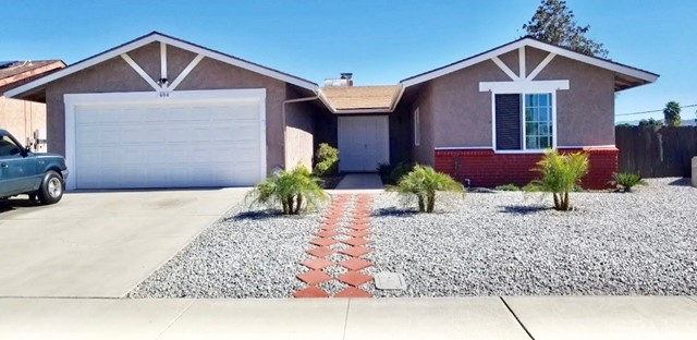 Detail Gallery Image 1 of 16 For 694 Holly Dr, Hemet, CA 92543 - 2 Beds | 2 Baths