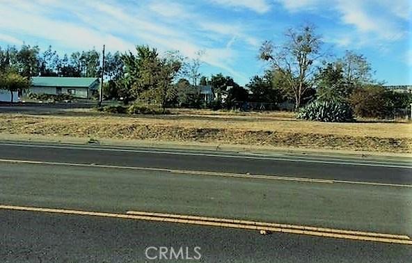 2008 Del Oro Avenue, Oroville CA: http://media.crmls.org/medias/00570c91-b99f-4e4e-bf96-655c4fc55204.jpg