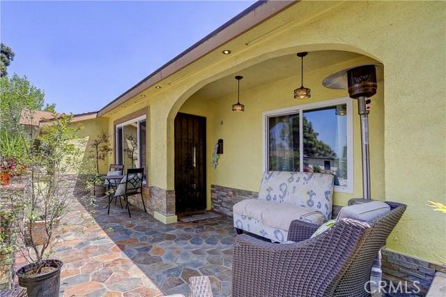 5508 Bridgeview Avenue, Pico Rivera CA: http://media.crmls.org/medias/00585033-682b-4f5e-b7ba-e96b7ba5857a.jpg