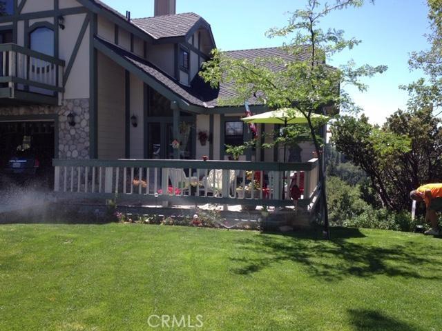 30293 Leprechaun Court, Running Springs Area CA: http://media.crmls.org/medias/005dea5f-a3de-4217-b4b0-4f691201cb03.jpg