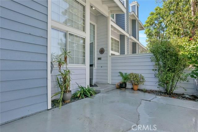 8105 Surfline Drive Unit C Huntington Beach, CA 92646 - MLS #: OC18163040