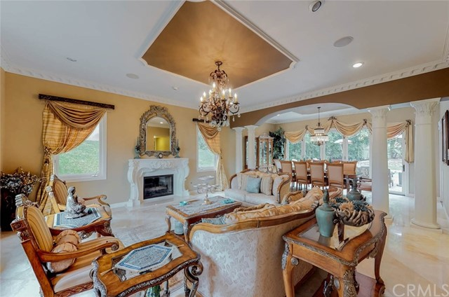 Detail Gallery Image 1 of 35 For 124 S Martin Rd, Anaheim Hills, CA 92808 - 5 Beds | 4/1 Baths
