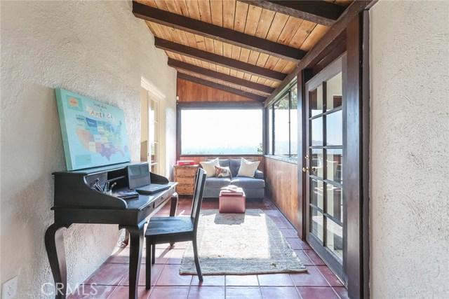 1661 La Cresta Drive, Pasadena CA: http://media.crmls.org/medias/006b540e-729f-49ab-966e-317aac8cf06a.jpg