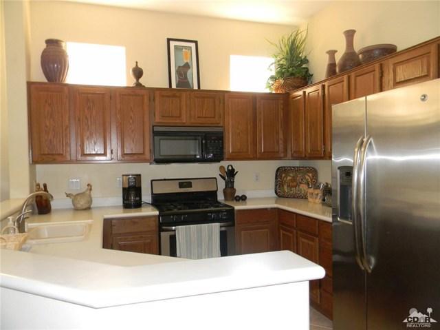 78260 Willowrich Drive, Palm Desert CA: http://media.crmls.org/medias/0079e840-2bda-45d9-8817-0f291a081b89.jpg
