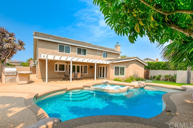 17722  Falkirk Lane, Huntington Beach, California