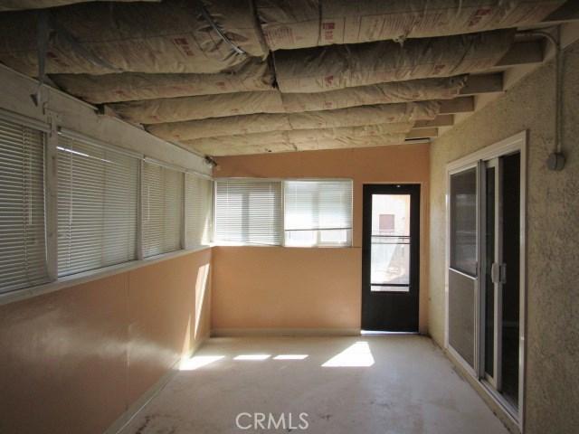 14708 Mojave Street, Hesperia CA: http://media.crmls.org/medias/0084d538-1711-4251-875b-55684816f4b2.jpg