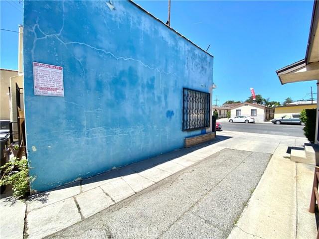 9300 California Avenue, South Gate CA: http://media.crmls.org/medias/00868edd-7343-4da1-ac53-83259b30a8db.jpg