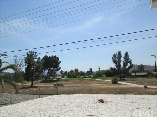 28547 Bradley Road, Menifee CA: http://media.crmls.org/medias/008ac260-8eb5-4d34-b3ee-8ee7b91eddf8.jpg
