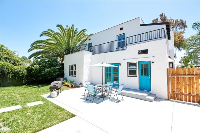 741 E Claremont Street, Pasadena CA: http://media.crmls.org/medias/008ba7b1-d522-4fbb-b894-e7f921fbde32.jpg