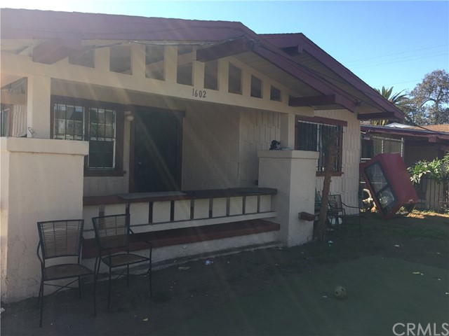 5811 S Denker Avenue, Los Angeles CA: http://media.crmls.org/medias/008c66da-268e-48b2-bbee-3ff6e2223612.jpg