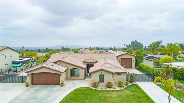 13114 Maplewood Drive , CA 92399 is listed for sale as MLS Listing CV18096182