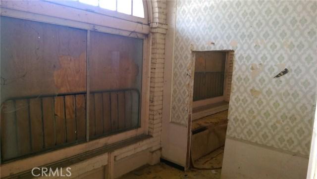 6956 Palm Avenue, Highland CA: http://media.crmls.org/medias/00bb7171-009e-455e-b706-e4f6a70b0762.jpg