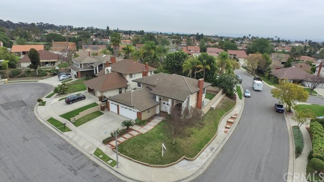 1800 Clear Creek Drive, Fullerton CA: http://media.crmls.org/medias/00bc9e8f-ab16-4ce3-b2b1-4ef463815a47.jpg