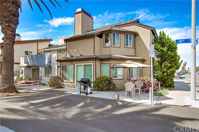 Single Family for Sale at 16791 14th St Sunset Beach, California 90742 United States