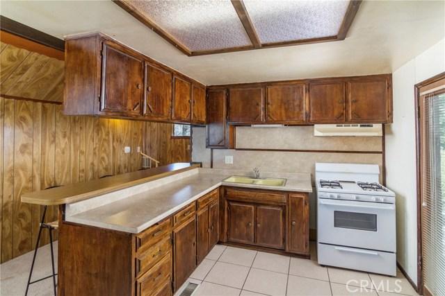 Casa Unifamiliar por un Venta en 222 Lilac Way Cedar Glen, California 92321 Estados Unidos