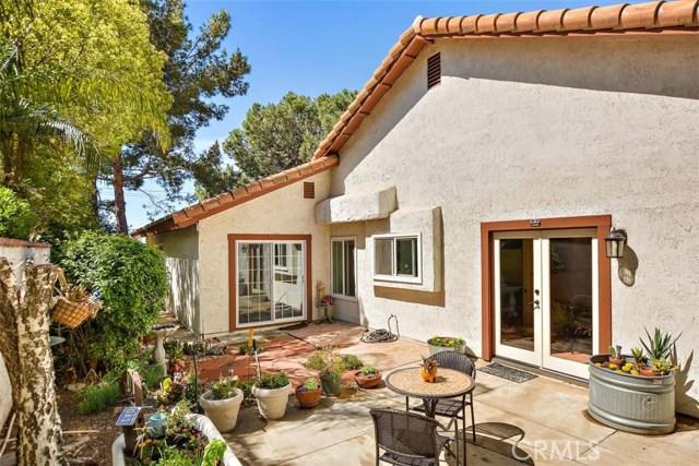10425 Poplar Street, Rancho Cucamonga CA: http://media.crmls.org/medias/00e3ddb4-ec89-46f8-b5b7-895002249773.jpg