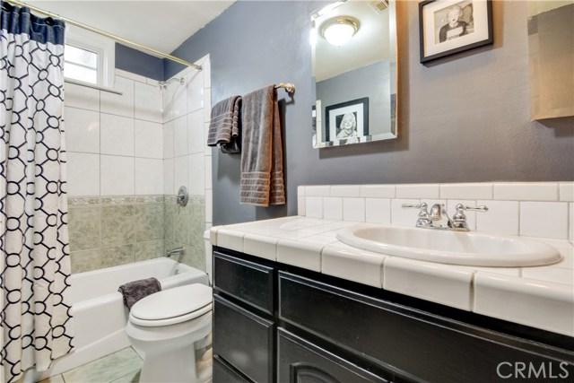 2455 Cambridge Avenue, Fullerton CA: http://media.crmls.org/medias/00ea4d61-f231-4320-938b-060030bb311c.jpg
