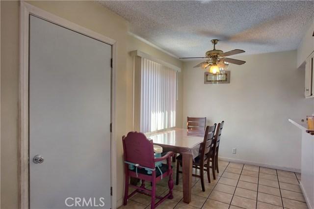 2077 Wallace Avenue, Costa Mesa CA: http://media.crmls.org/medias/00f3dde8-e3d2-4766-8afc-0aaa3ea66ad7.jpg