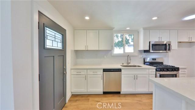 2226 N Buena Vista Street, Los Angeles, California 91504, 4 Bedrooms Bedrooms, ,2 BathroomsBathrooms,Single family residence,For sale,Buena Vista,BB20234994