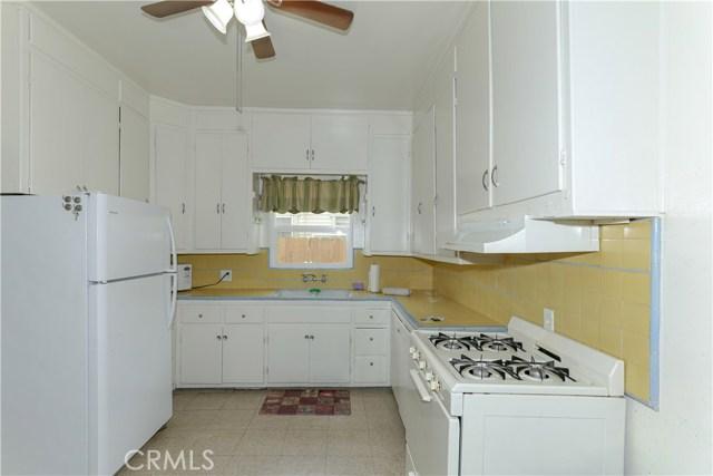 220 W 22nd Street, Merced CA: http://media.crmls.org/medias/01023bc1-6be4-4f8a-875d-a1d42fdc6d27.jpg