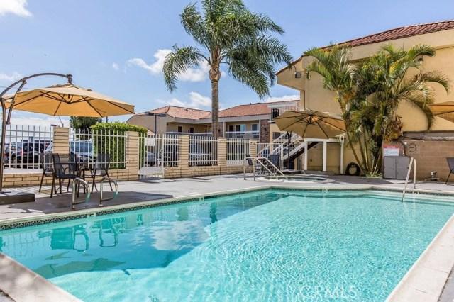 Additional photo for property listing at 3201 E Pacific Coast  Long Beach, California 90755 Estados Unidos