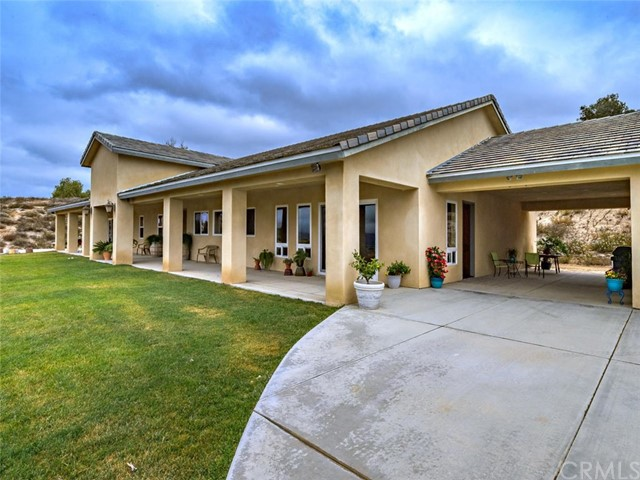 42251 Altanos Rd, Temecula, CA 92592 Photo 2