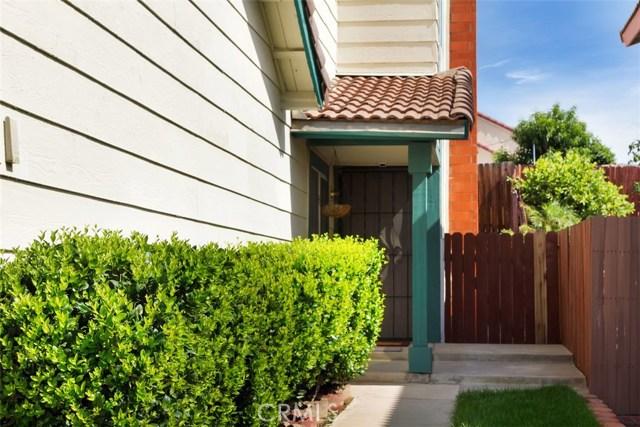 23476 Woodlander Way, Moreno Valley CA: http://media.crmls.org/medias/0116ef9b-399e-4c3f-bdd6-0d7817259bd1.jpg