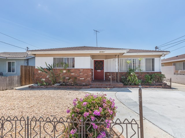 4318 137th, Hawthorne, California 90250, ,Residential Income,For Sale,137th,SB20161661
