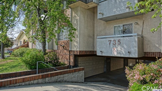 Townhouse for Sale at 735 California Avenue W Glendale, California 91203 United States