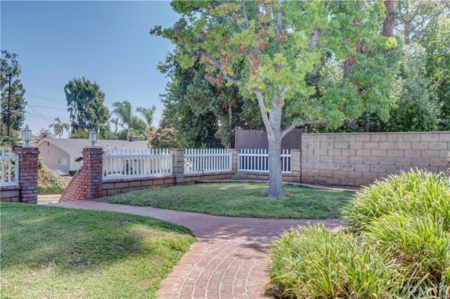 1141 Kingston Drive, La Habra CA: http://media.crmls.org/medias/01383bb0-4cbd-4b1a-a8cb-ce3cd7c85b62.jpg