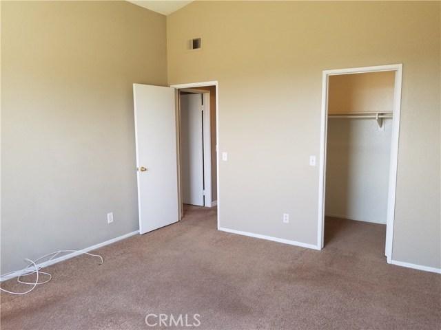 1413 Fairmont Drive, Corona CA: http://media.crmls.org/medias/0145f12c-765b-4f3f-a12a-ad65abd2a511.jpg