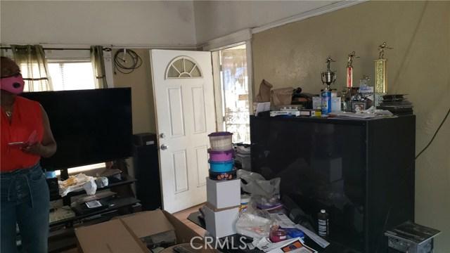 1641 E 50th Place, Los Angeles CA: http://media.crmls.org/medias/014d1af3-20ca-43e7-8fed-a9200b77df7d.jpg