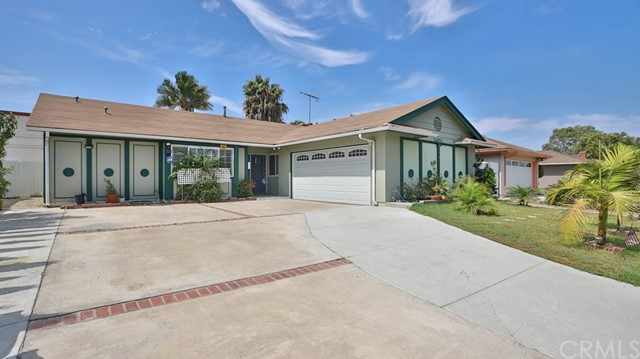 Photo of 14951 Sabre Lane, Huntington Beach, CA 92647