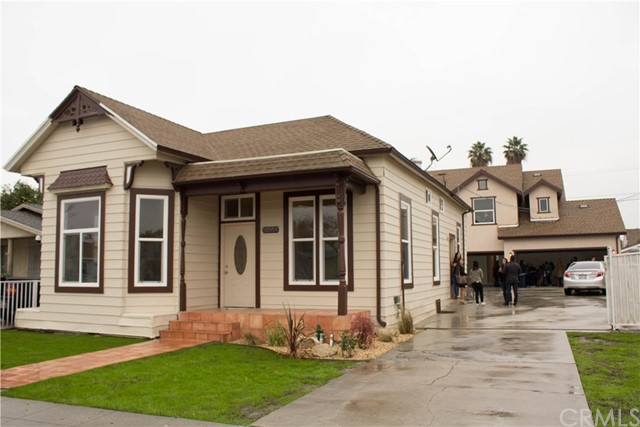 Single Family Home for Sale at 10504 California Avenue South Gate, California 90280 United States