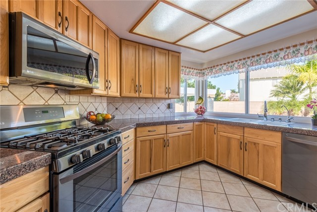 16647 Mount Hoffman Circle Fountain Valley, CA 92708 - MLS #: SW18000007
