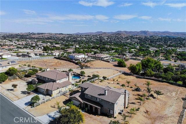 17197 Birch Hill Road, Riverside CA: http://media.crmls.org/medias/017618fc-34c7-4e8c-be24-1d5533e10a11.jpg