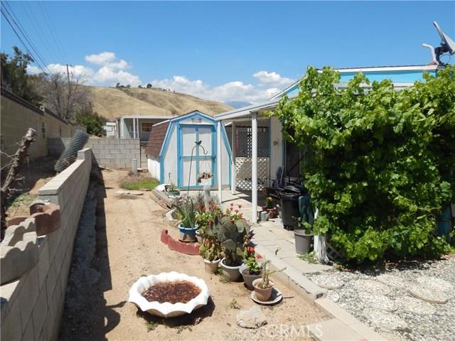 2200 W WILSON Street, Banning CA: http://media.crmls.org/medias/018a520a-f184-48ee-bb62-1dd5a4efdea2.jpg