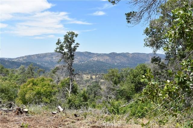 80 Lookout Mountain Road, Mariposa CA: http://media.crmls.org/medias/018fa72e-a343-4b18-9f28-f37b1e9dff85.jpg