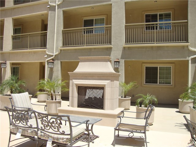 1437 Lomita Boulevard, Harbor City CA: http://media.crmls.org/medias/0191f571-036b-4831-9bb1-c34daf5eff39.jpg