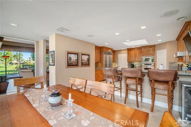 4 Exeter Court, Rancho Mirage CA: http://media.crmls.org/medias/01973c95-3e4a-43ad-9498-c3548fe57786.jpg
