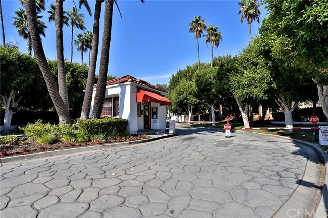 7282 Yellowtail Drive 201 Huntington Beach, CA 92648 is listed for sale as MLS Listing OC17064795